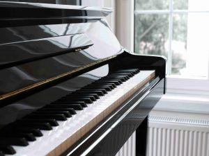 Konzert Piano mit offener Tastatur